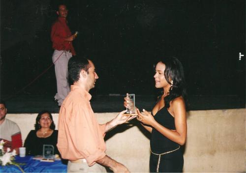 paulo henrique recebendo premiao